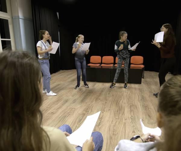 Maak kennis met theater tijdens open lessen Kaliber bij De Passie