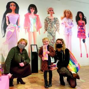 Stadsmuseum Almelo verwelkomt duizendste Barbiebezoeker