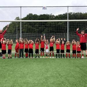 De jongste jeugd start weer met voetballen bij v.v. DES