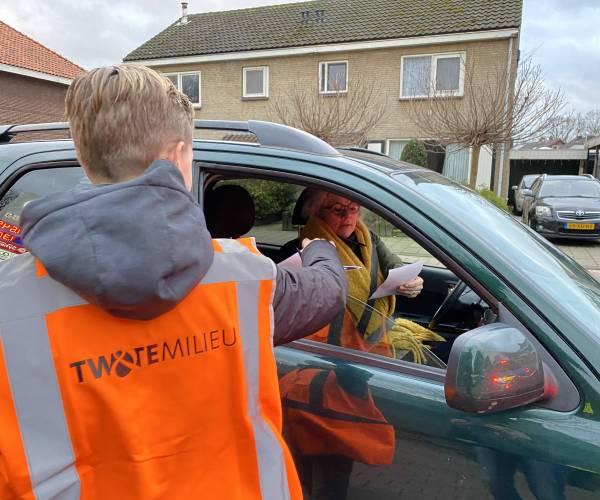 Scholieren voeren actie tegen 'door rood' rijders