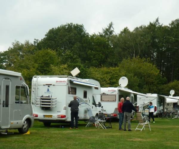 Camperclub De Keuklkoare houdt leuke middag voor camperaars