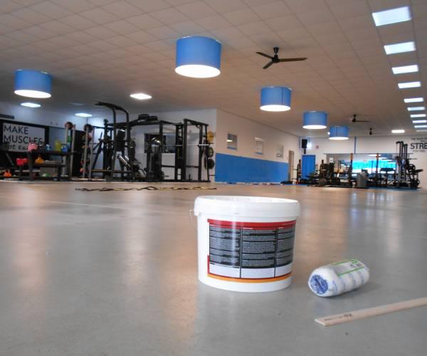 Sportscholen helpen mensen thuis te trainen