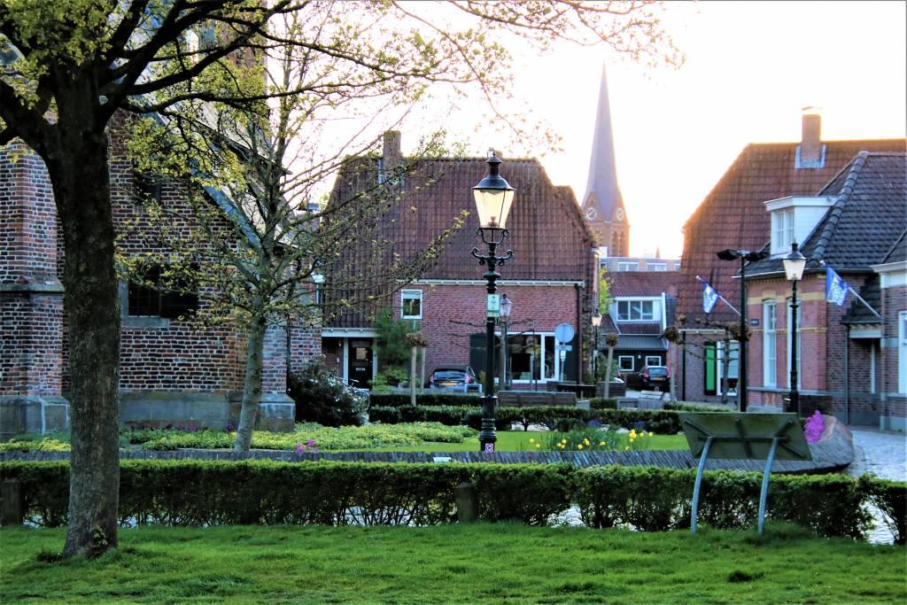Doorkijkje oud Borne: Foto: Jos Huis in 't Veld