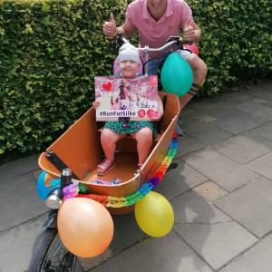 Hardloper loopt 4500 euro bijeen voor nichtje