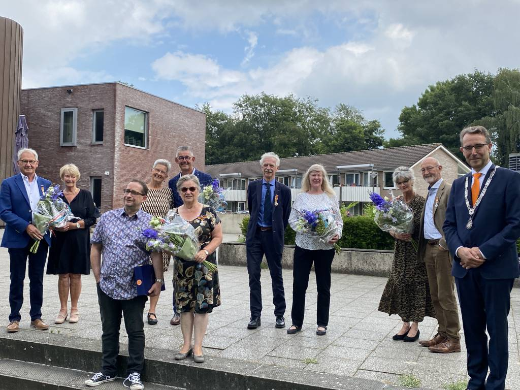Tonny en Els Wolbers, Gerard en Hermien Welberg, Gerda en Martin Welberg, Piet en Janny Dijkstra en Harry en Carla Baartman