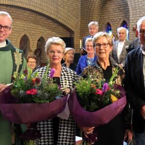 Gouden jubileum voor koorzangers Mieke Elferink en Inge de Rooy