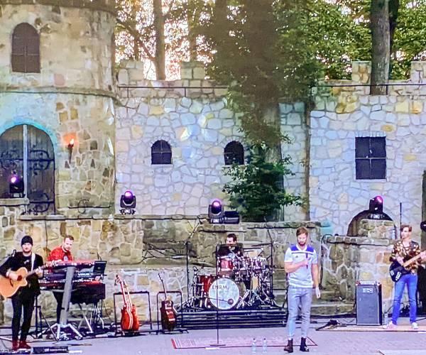 Band ENorm treedt na maanden weer op