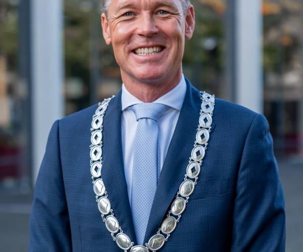 """Burgemeester Broekhuizen pleit voor vuurwerkverbod: """"Zijn er klaar mee"""""""