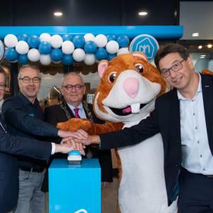 Burgemeester Arco Hofland opende nieuwe Albert Heijn Rijssen