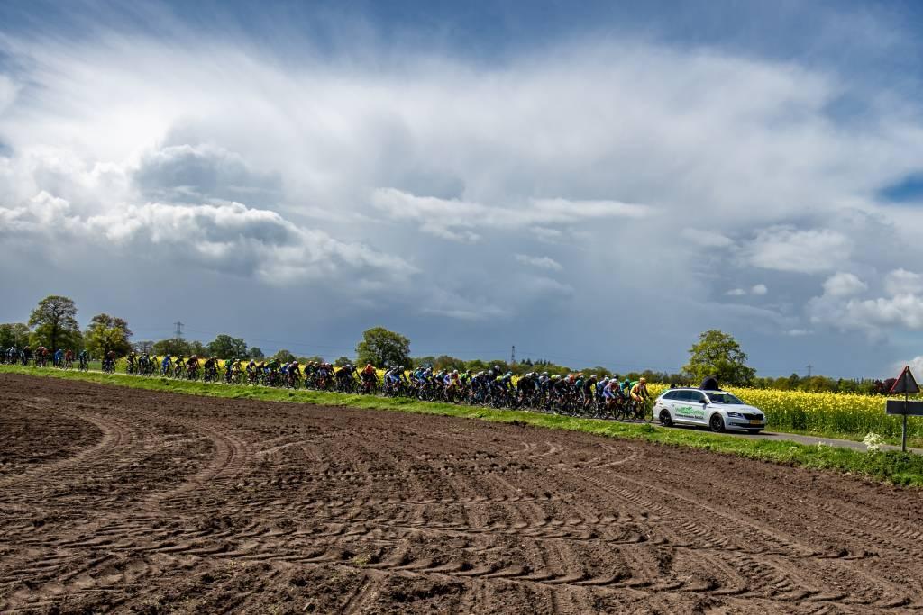 Foto: Sportfoto/Dick Soepenberg Donkere wolken pakken dit voorjaar samen boven de internationale wielerwereld.