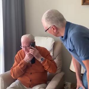 Willeke Alberti feliciteert 90-jarige