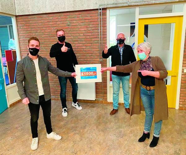 Bingoavond jongerenband Reasons brengt € 1500,- op voor Manna Happy Kids
