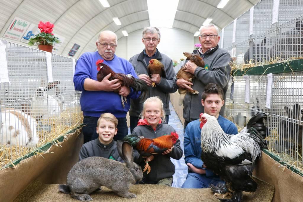 Op de foto v.l.n.r.: Boven: Albert Boers, Henk Boers, Henk Reefhuis. Onder: Hidde Kuiper, Marith Lubbers en Matthijs Lenderink.