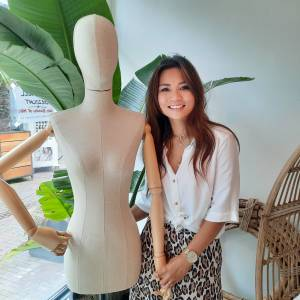 Emmy Saengra begint nieuwe kledingwinkel in Borne