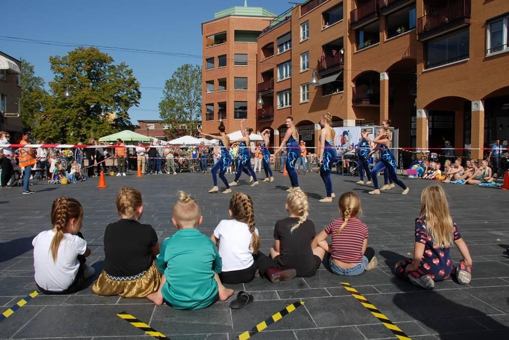 Advendo actief op het plein. Foto's HePa