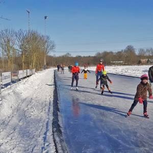 Vrijwilligers van WIJC maken volop schaatsvertier op natuurijs mogelijk