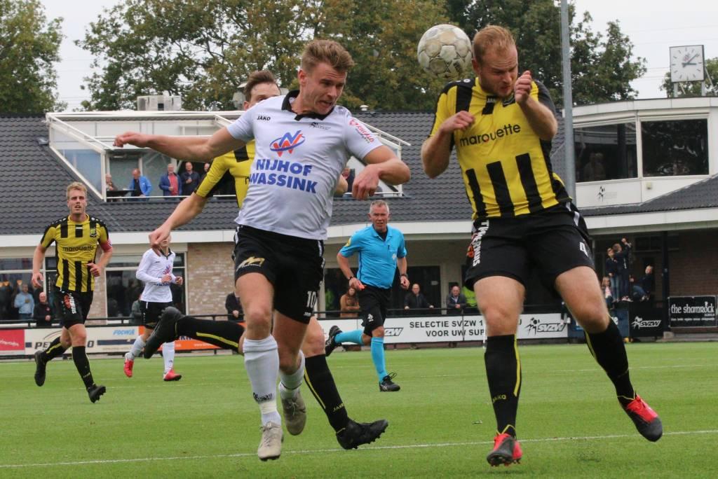 Bas ter Hogt van SVZW benutte twee penalty's. Fotograaf: Henk Steen.