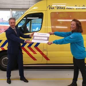 Donatie van Vredehof voor de WensAmbulance Oost-Nederland