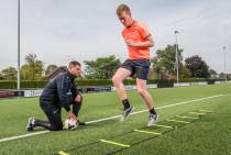 Sportfysiotherapeut Bas Oostvogel: weer sporten na blessure of operatie