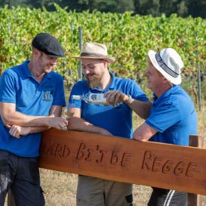 Wijnmakers Wierden lanceren wijnsoort om tijdje te bewaren