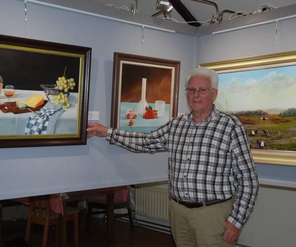 Grote schilderijenexpositie Harrie ter Avest in eigen 'Kunstschuur'